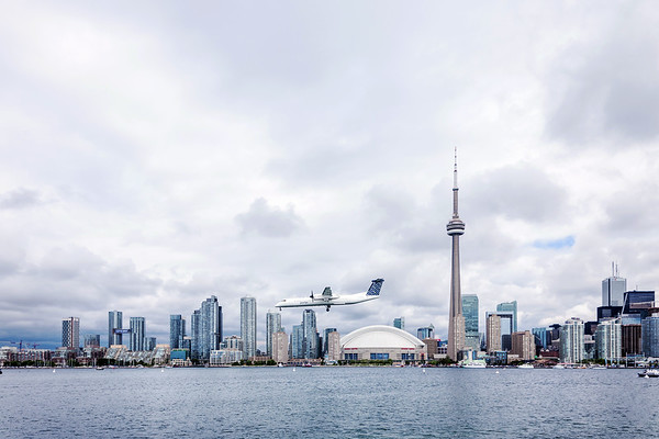 Airplane landing in Downtown Toronto
