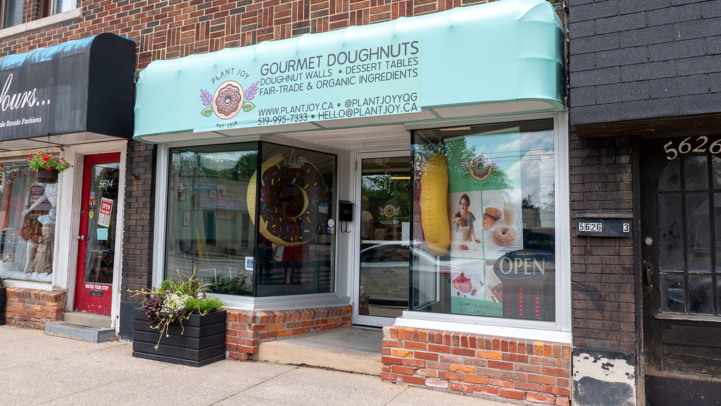 Vegan restaurants in Windsor Ontario: Plant Joy Vegan Donuts