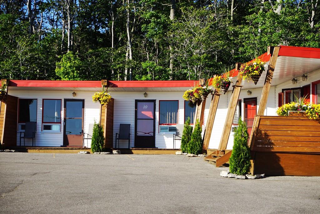 A vintage motel on Ile d'Orleans near Quebec City
