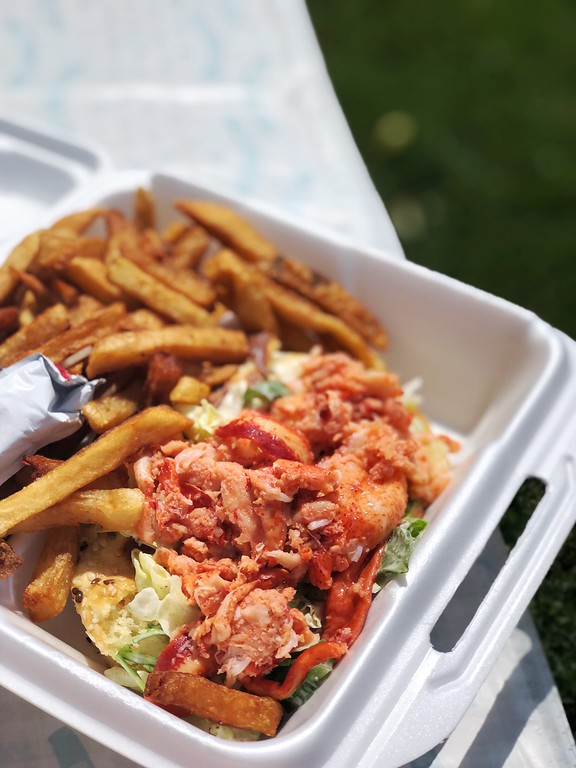Day Trips from Quebec City: A lobster roll from Casse-Croûte Chez Mag on Ile d'Orleans