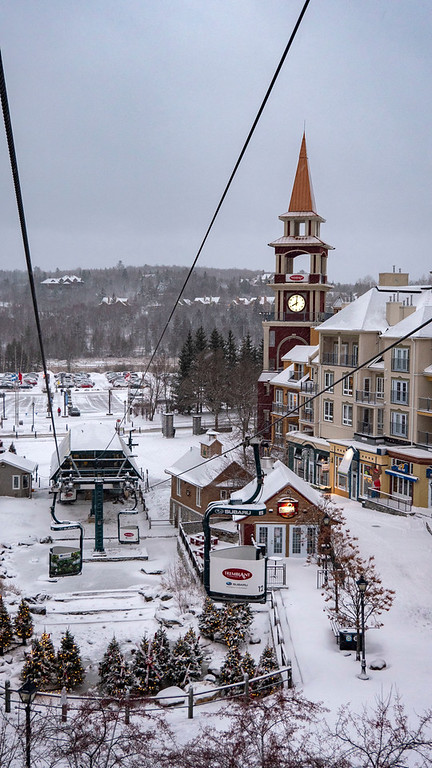 Mont Tremblant Cabriolet gondola in the pedestrian village - Mont Tremblant winter