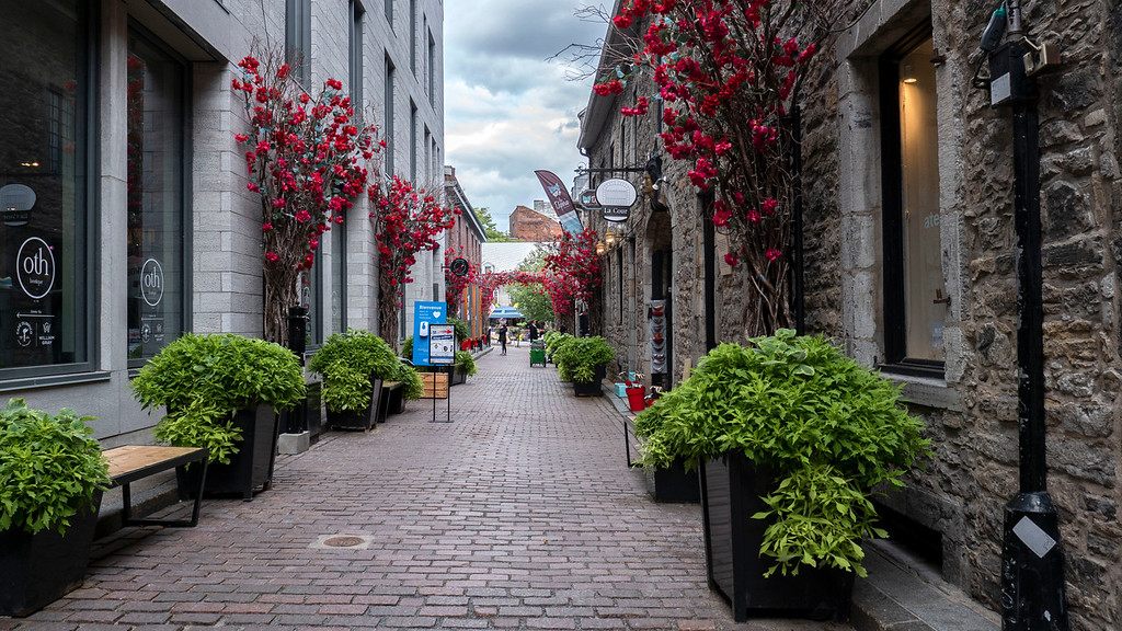 Montreal 3 day itinerary: Rue Saint-Amable, Old Montreal