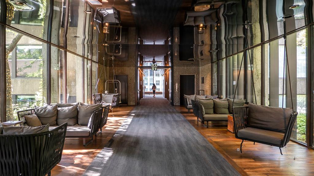 Hotel Bonaventure Montreal lobby