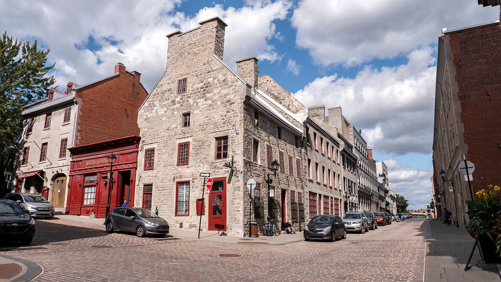 Cobblestone streets and old buildings of Old Montreal / Vieux Montreal