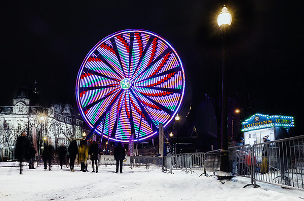 Big wheel on Grande-Allée street in Quebec City during the holidays.