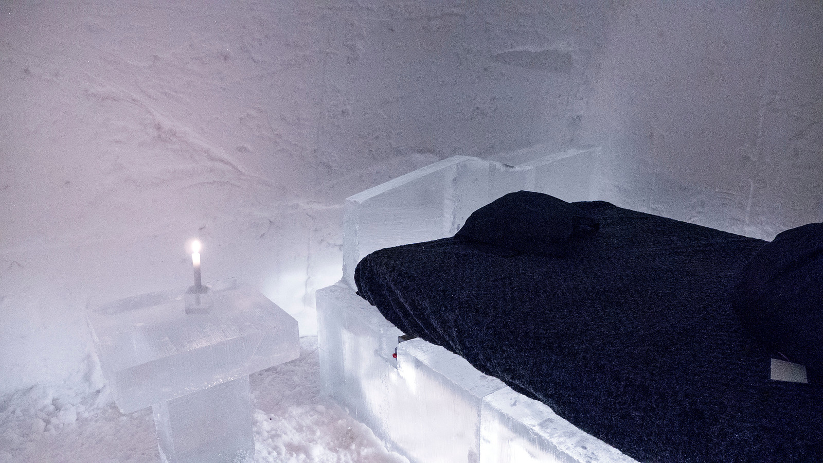 Ice Hotel Quebec: An Insider's Guide to Surviving the Night - Our ice room