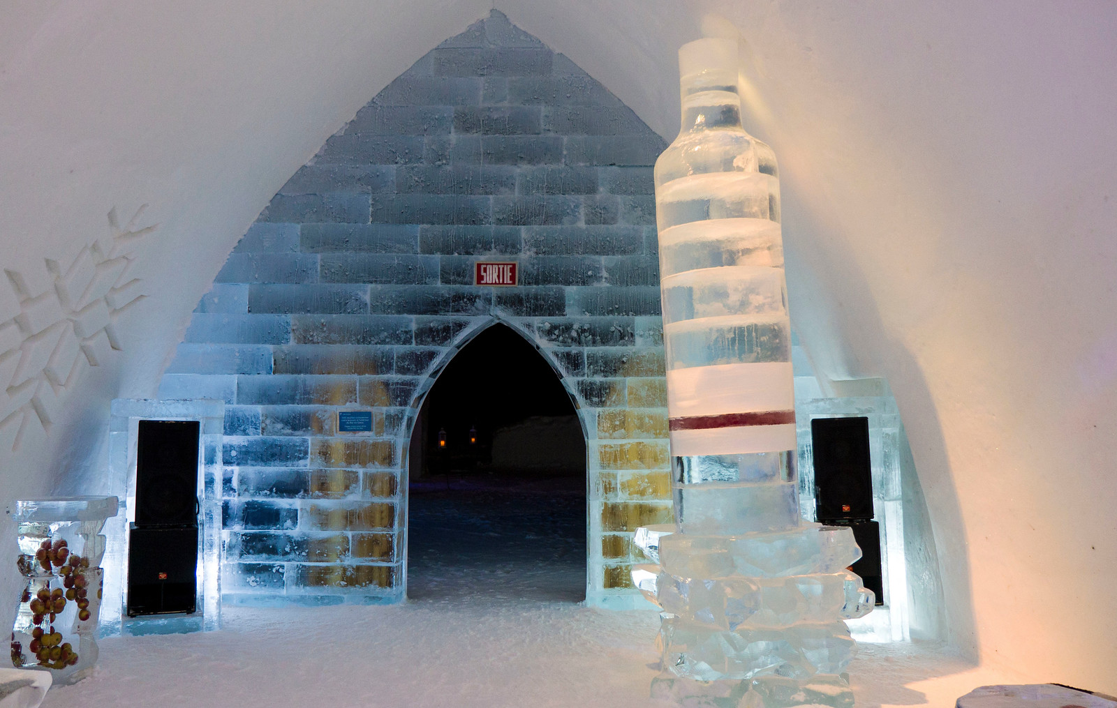 Ice Hotel Quebec: An Insider's Guide to Surviving the Night - Ice bar building