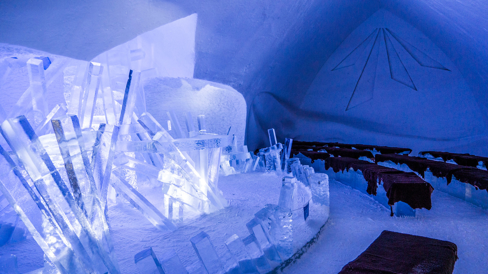 Ice Hotel Quebec: An Insider's Guide to Surviving the Night - Ice hotel wedding chapel