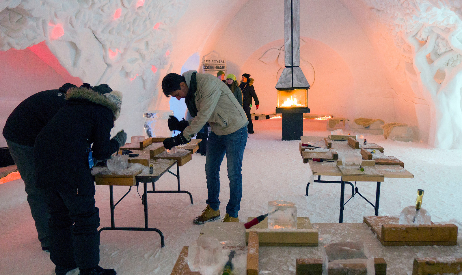 Ice Hotel Quebec: An Insider's Guide to Surviving the Night - Ice carving