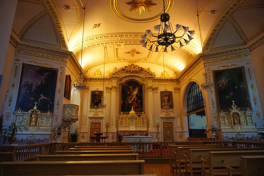 Small decorative chapel inside the monastery.