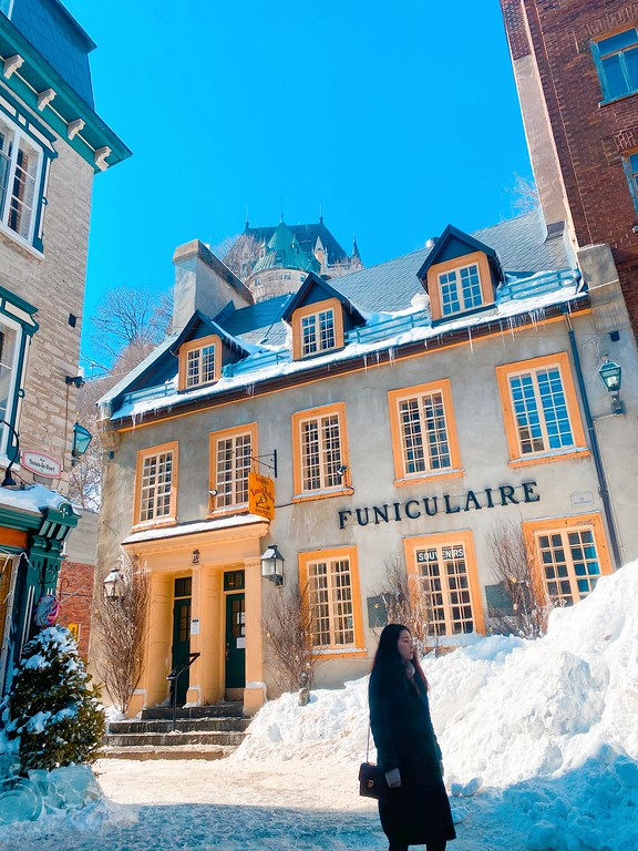 The funicular in Quebec City in winter