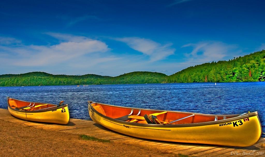 canoes-algonquin-park-canada