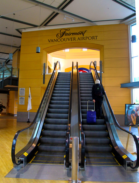 Fairmont Airport Hotel, Entrance from terminal