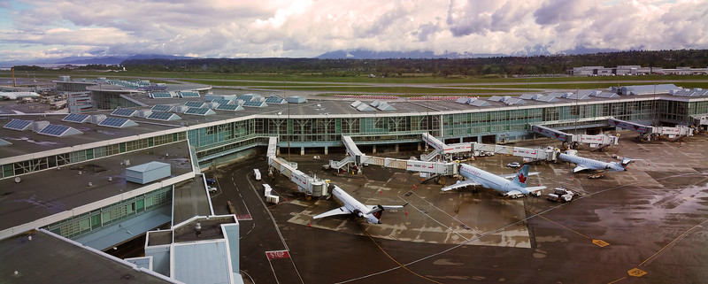 Vancouver BC, Fairmont Vancouver Airport, Panorama on airport runway
