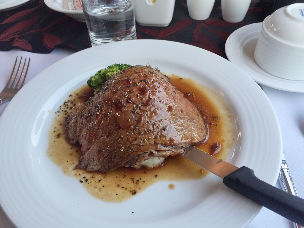 Canada by Train: Prime Rib dinner onboard The Canadian with VIA Rail