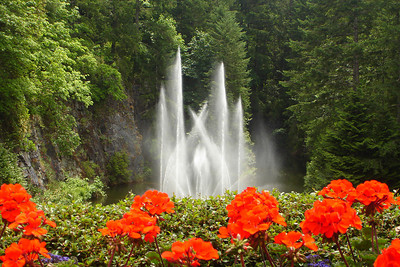 The Ross Fountain at the Butchart Gardens - Brentwood Bay, BC ... June 26, 2007 ... Photo by Rob Page III