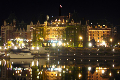 The Empress Hotel at night - Victoria, BC ... June 25, 2007 ... Photo by Rob Page III