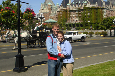 Rob and Emily in front of the Empress Hotel - Victoria, BC ... June 25, 2007