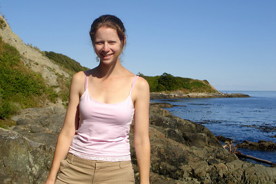 Hiking along the coast - Victoria, BC ... June 25, 2007 ... Photo by Rob Page III