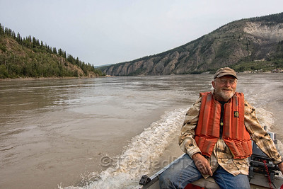 On the Yukon River - Leaving Dawson