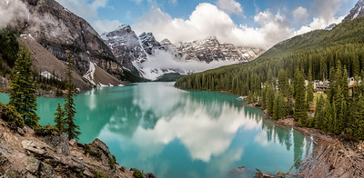 Panoramic of Moraine Lake