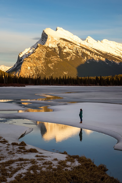 Exploring the ice on the Vermillion Lakes