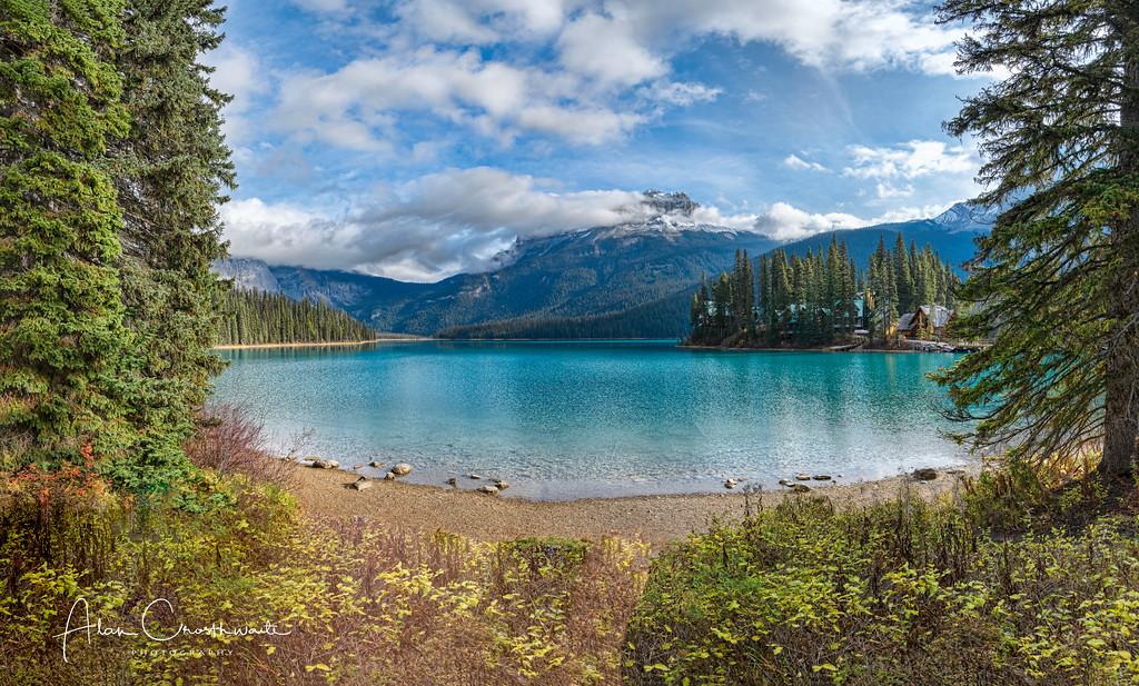 Amazing Emerald Lake