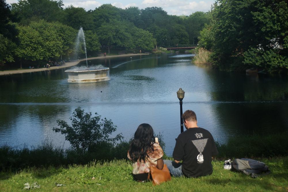 picnic at La Fontaine Park - Parc La Fontaine