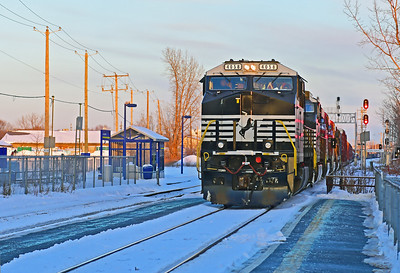 Canadian National #529, St-Lambert, Quebec, December 24 2017.