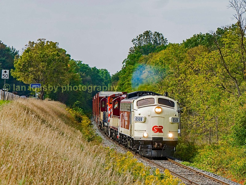 On the outskirts of Ingersoll with a little GMD clag  PP9 #6508