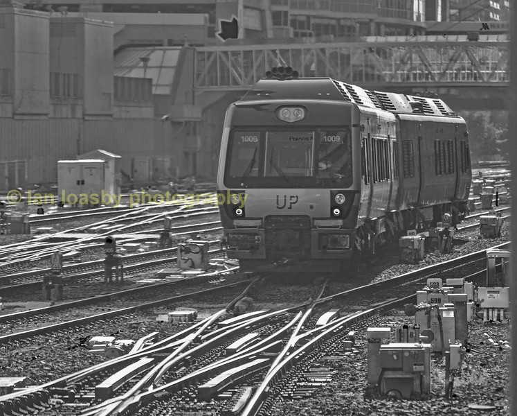 The UP's dmu departs back to Pearson airport