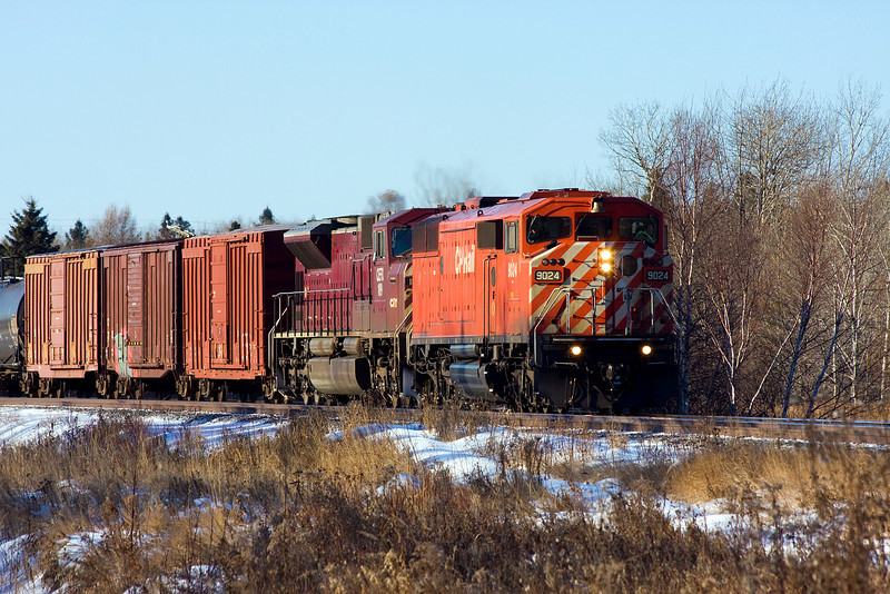 CP 9024 with CEFX 109 heading east at Barclay Ontario.