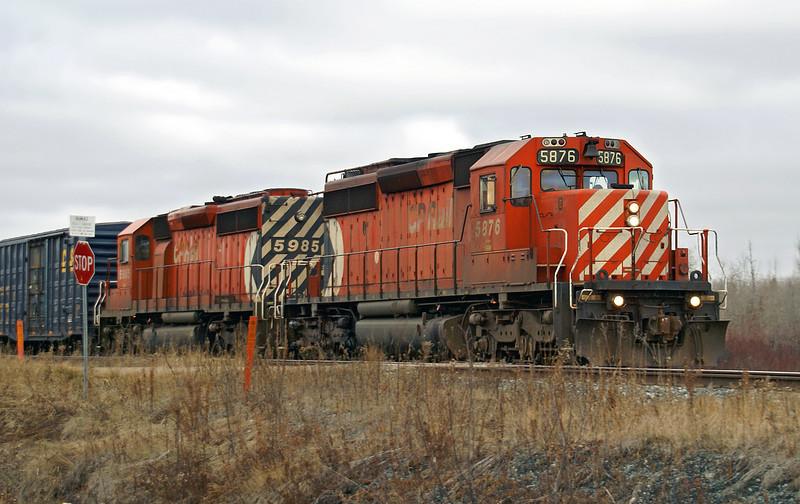 CP 5876 and CP 5985 at Barclay, Ontario