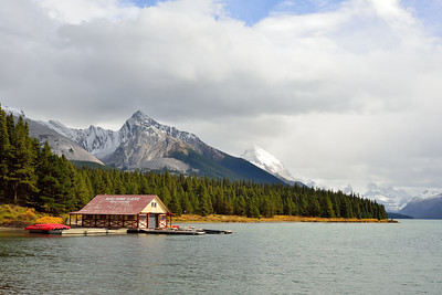 Maligne Lake Boathouse