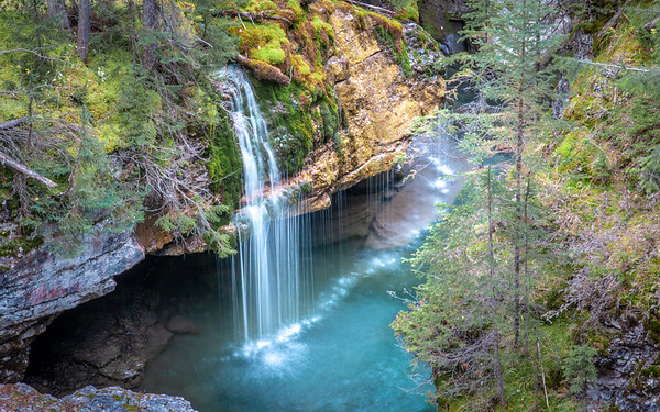 Maligne Canyon Stream