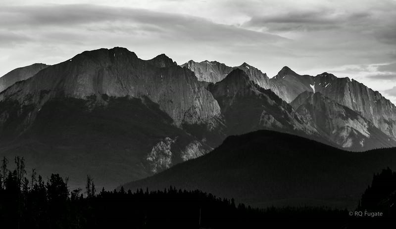 Return drive to Banff.