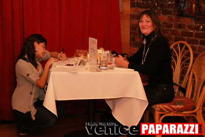 03 30 09 Janet's Circle For Entrepreneurs at Canal Club in Venice  www janetscircle com   Photo by Venice Paparazzi (10)
