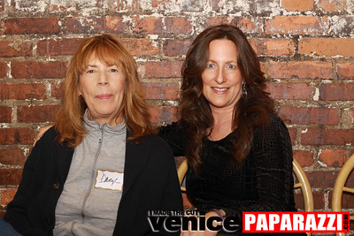 03 30 09 Janet's Circle For Entrepreneurs at Canal Club in Venice  www janetscircle com   Photo by Venice Paparazzi (6)