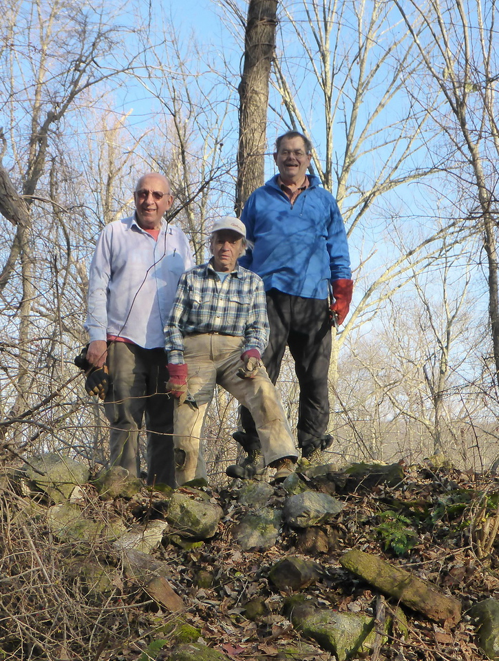 On top of the limekiln (Frank, Judy, Teun) - 12/10/15.
