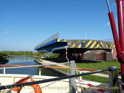 A cruise along the Gloucester and Sharpness Canal April 15 to 17, 2014 on board the MV EDWARD ELGAR operated by English Holiday Cruises.  Netheridge Bridge the second largest swing bridge in England.