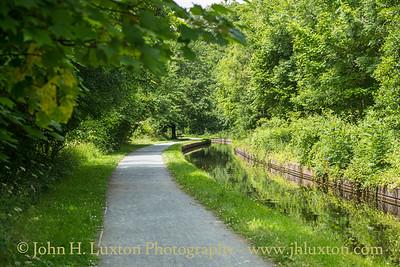 Llangollen Canal - Sun Trevor Terrace Embankment - July 02, 2020