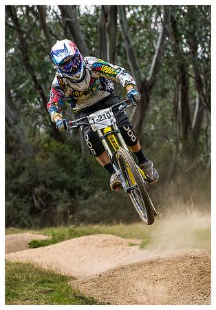 04-B_set_MTB-Downhill