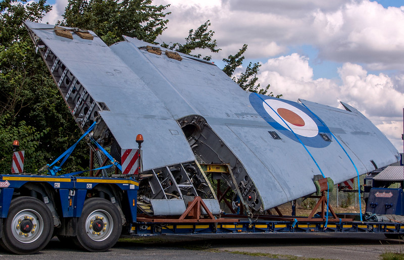 The Port wing of Canberra B2/6 WK163 (G-CTTS).<br /> By Tom Wray.