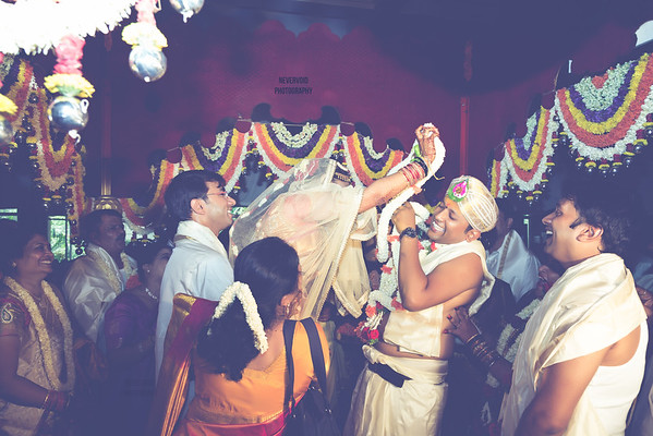 Creative candid wedding photography, contact for pricing and packages in Bangalore or whole of India. Destination candid wedding photographer.