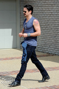 "Colin Farrell Shows Off His ""Guns"" And Mum Tribute Heart Tattoo in Malibu, CA"