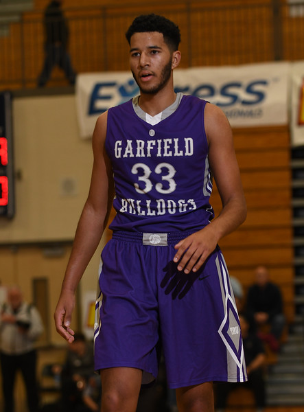 Garfield Bulldogs vs. Lake Oswego Lakers
