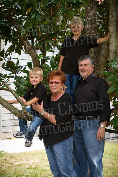 Jones Family at the Park-10