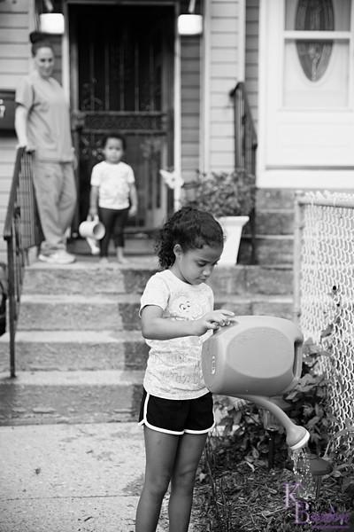 DSC_8096 mommy's little helpers_DxO