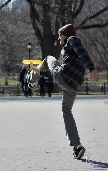 DSC_2062 frisbee fun