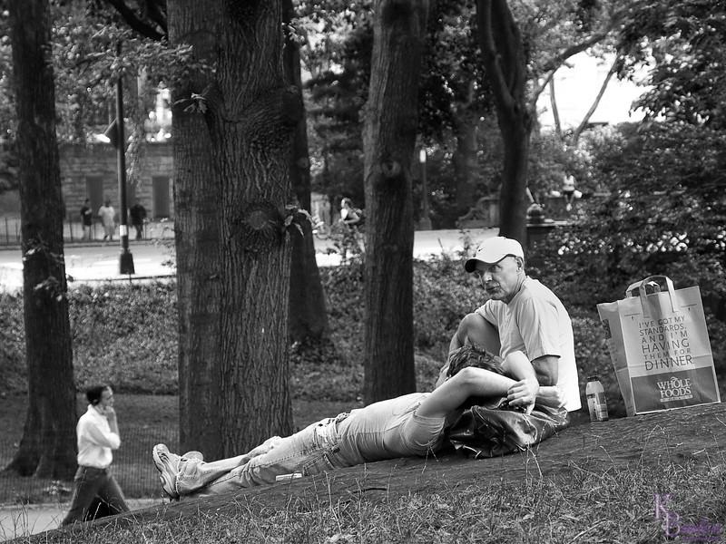 DSC_2557 relaxing in the park